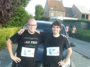 Korneel en Nicolas op de Gouden 10 km van Sint-Andries.